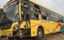 Quảng Ninh: Xe khách giường nằm hư hỏng sau va chạm xe tải