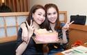 Ngọc Trinh giản dị mừng sinh nhật Trà Ngọc Hằng