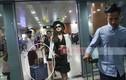 Huyền My gây tranh cãi vì để mẹ đẩy hành lý ở Myanmar
