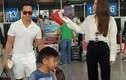 Lộ ảnh Kim Lý xách vali cho Hồ Ngọc Hà tại sân bay