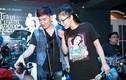 Hương Tràm mặc trẻ trung tập luyện cho live show của Quang Hà