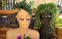 Loạt chậu trồng hoa độc đáo hình đầu người gây khiếp đảm