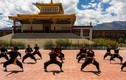 Cận cảnh ni sư luyện võ Việt Nam trên dãy Himalaya