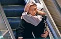 Con gái rơi của Thành Long công khai ôm bạn gái đồng tính