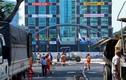 Quan sát công tác nâng cấp khẩn trương đường hoa Nguyễn Huệ