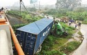 Ảnh: Xe đầu kéo biến dạng sau tai nạn liên hoàn trên cầu Thanh Trì