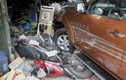 Ôtô tông hàng loạt xe rồi lao vào cửa hàng ở Sài Gòn
