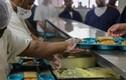 Đầu bếp nhà tù Mỹ bị sa thải vì quan hệ với phạm nhân