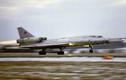 """""""Dựng tóc gáy"""" khả năng bay """"độc"""" của máy bay Tu-22 Nga"""
