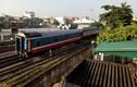 Tàu hỏa tuyến Lào Cai-HN lại bị trật bánh tại ga Yên Viên