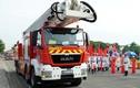 Ngoạn mục cảnh sát miền Trung cứu hộ cứu nạn