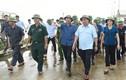Thủ tướng hủy mọi cuộc họp để thị sát việc ứng phó lũ lụt