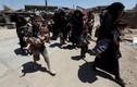Hàng trăm thường dân chạy khỏi khu phố cổ Mosul