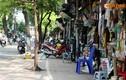 Ảnh: Con phố với dãy cửa hàng siêu nhỏ độc đáo ở Hà Nội