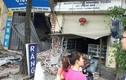 Hiện trường container tông xe bồn, húc sập nhà dân ở Hà Nội