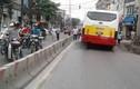 Nam thanh niên bị xe buýt cán tử vong tại chỗ ở Hà Nội