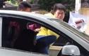 Hà Nội: Nữ tài xế bị nam thanh niên đánh ngay trong ô tô