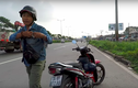 """Người chặn xe đòi đánh thanh niên quay clip CSGT nói """"bị oan""""!"""