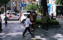 Nam thanh niên múa dao trên phố Hà Nội, người đi đường hoảng loạn