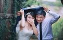 """Cặp đôi Hà thành """"chịu chơi"""" chụp ảnh cưới ngày mưa gió"""