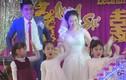 Cô giáo cùng học sinh mầm non múa hát trong đám cưới