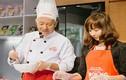 TGĐ Ajinomoto Việt Nam tự tay hướng dẫn nấu ăn tại VP Hà Nội