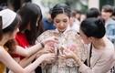 Xôn xao lễ tốt nghiệp ngập trong tiền của hot girl Thái