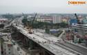 Cận cảnh cầu vượt thép lớn nhất Hà Nội đang gấp rút hoàn thiện