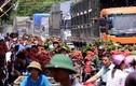 Cảnh ùn tắc, chen chúc ở chợ vải thiều lớn nhất Việt Nam