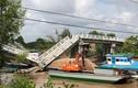 Hiện trường vụ sà lan đâm sập cầu ở Cà Mau