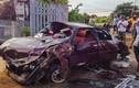 Ảnh: Hiện trường ôtô đâm sập cổng nhà, 6 người nguy kịch ở Đắk Lắk