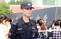 Nam cảnh sát đẹp trai làm náo loạn cả trường thi