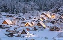 Giới trẻ thích thú với ngôi làng cổ toàn tuyết ở Nhật Bản