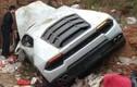 Siêu xe Lamborghini Huracan nằm trên bãi rác