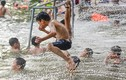 Ảnh: Công viên nước miễn phí độc đáo nhất ngoại thành Hà Nội