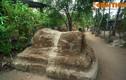 Tận mục khu mộ cổ khổng lồ giữa làng chài miền Trung