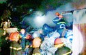 TPHCM: Hàng trăm chiến sĩ tham gia chữa cháy bãi phế liệu