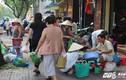 """Xe biển xanh, hàng quán vẫn """"cướp"""" vỉa hè ở trung tâm Sài Gòn"""