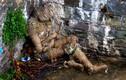 Xác ướp quấn dây thừng kì dị bất ngờ dạt bờ sông ở Anh