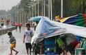 Ảnh bão Sarika càn quét Philippines trước khi vào Việt Nam