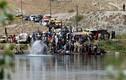 Ảnh: Dân Iraq chạy IS ồ ạt vượt sông Tigris ở Mosul