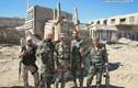 Ảnh quân đội Syria đánh trả phiến quân ở quận Al-Qaboun