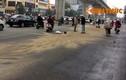 Hàng loạt người ngã xe vì dầu loang trên đường Trần Phú