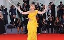 Sao nữ mặc phản cảm trên thảm đỏ LHP Venice