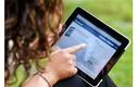 """Chồng xin tòa cấm vợ dùng Facebook vì quá """"nghiện"""" thế giới ảo"""