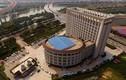 Đại học Trung Quốc bị chế giễu vì giống nhà vệ sinh khổng lồ