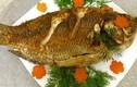 Chỉ mẹo để rán cá không bị vỡ, không dính chảo và vàng đều