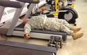 """Hài hước những binh lính """"thừa cân quá khổ"""" trong quân đội"""