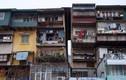 Tập thể cũ: Hàng xóm vác loa chửi vì vật thể lạ bay giữa cửa