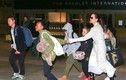 Angelina Jolie xuất hiện cùng 6 đứa con trông rất mệt mỏi